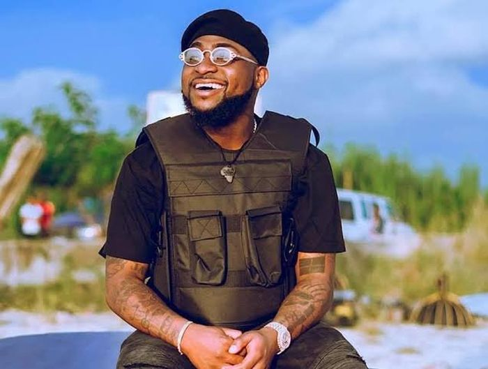 """I No Dey Help Before Una Say Na Clout"" – Davido Refuses To Help Airport Official Who Lost His Job"