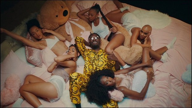 Mr Eazi – Lento ft. J Balvin  (Official Video)