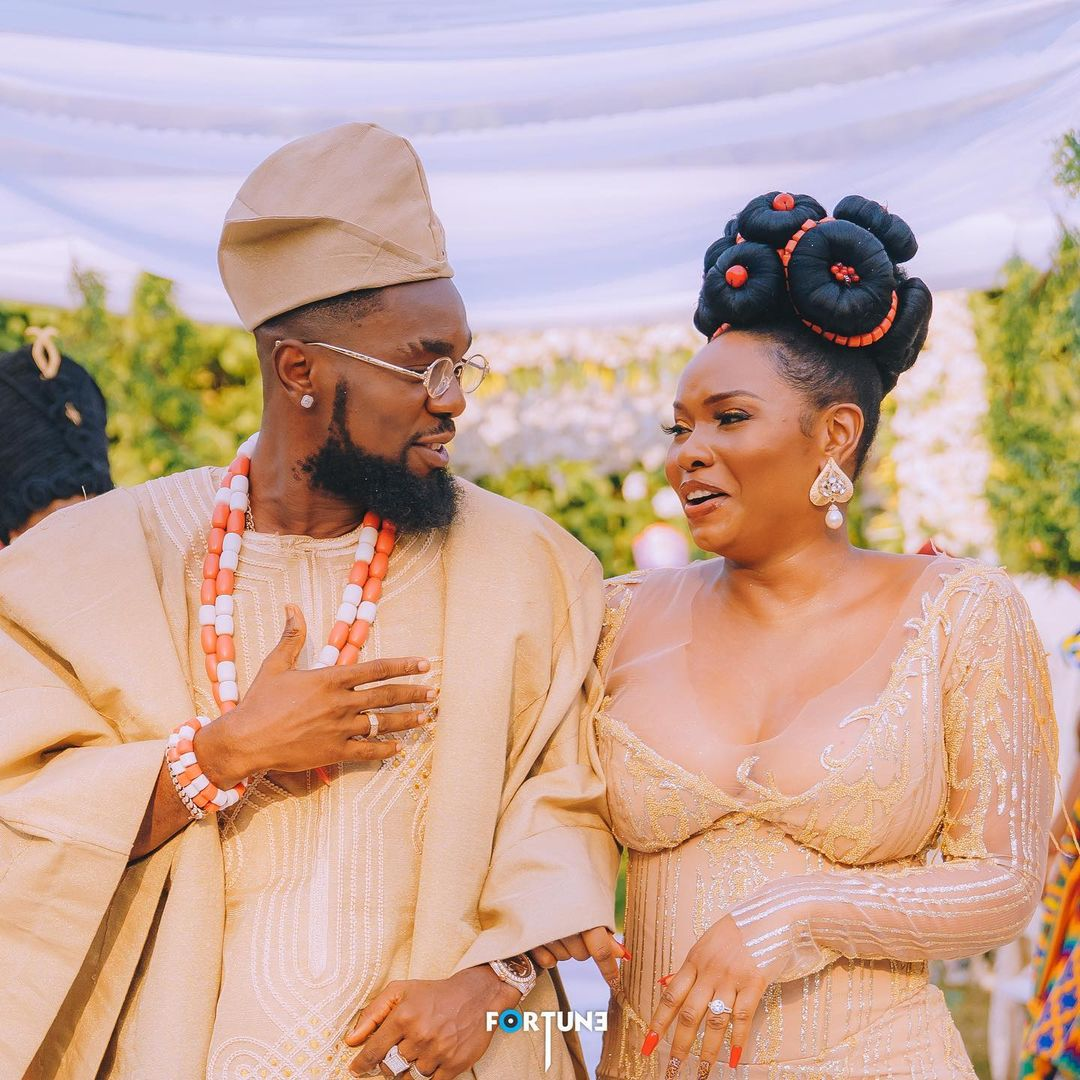 """This is what actually happened in Abule"" – Nigerians reacts to Patoranking and Yemi Alade wedding themed photos"