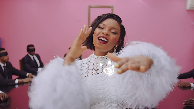 Yemi Alade – Boyz (prod. Vtek) [Official Video]